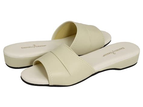 daniel green bedroom slippers daniel green dormie zappos com free shipping both ways