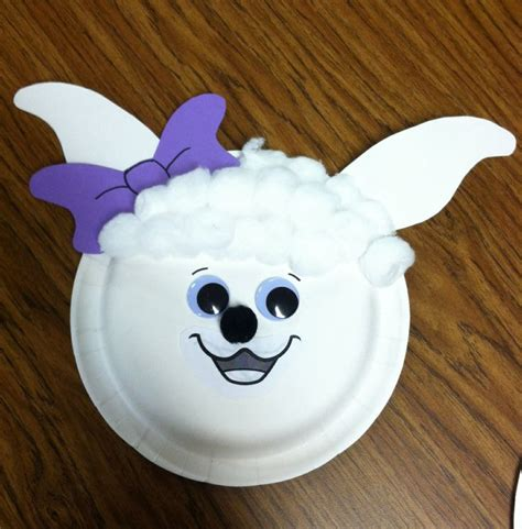 paper plate sheep craft 1000 ideas about preschool cubbies on