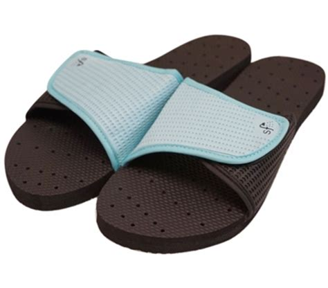 showaflops women's antimicrobial shower sandal black