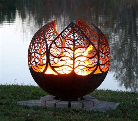 autumn leaf pit sphere home leaves