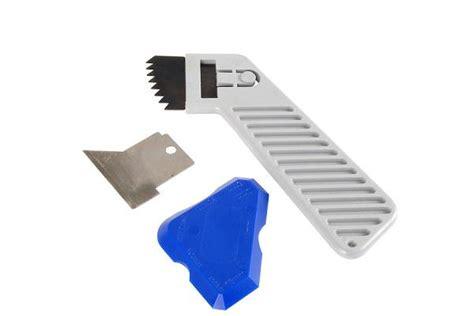 togliere silicone piastrelle consigli su come rimuovere il silicone