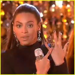 beyonce has a cyborg finger | beyonce knowles : just jared