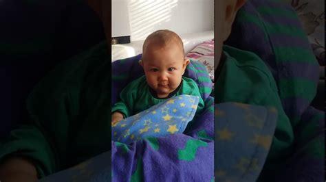 baby zum schlafen bringen baby zum lachen bringen die