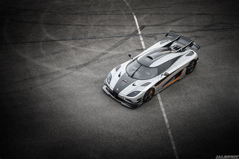 koenigsegg one wallpaper one 1 koenigsegg koenigsegg