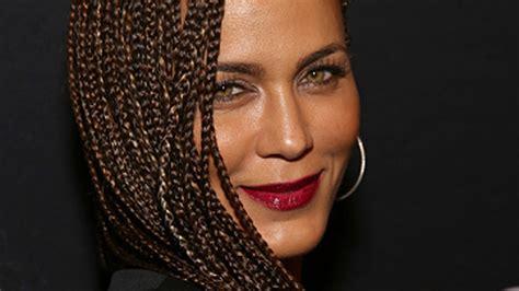 nicole ari parker braids get into nicole ari parker s gorgeous box braids