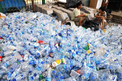 Alat Press Plastik Bekas daur ulang botol plastik menjadi lebih bermafaat prelo