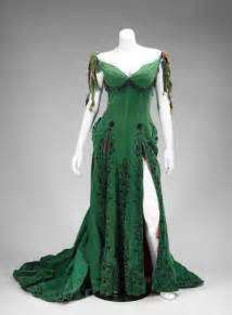 marilyn monroe s green dress sells for 504 000 at auction