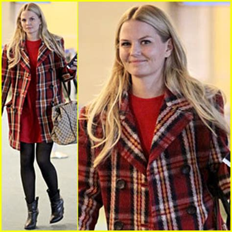 jennifer morrison steps out just before once upon a time's