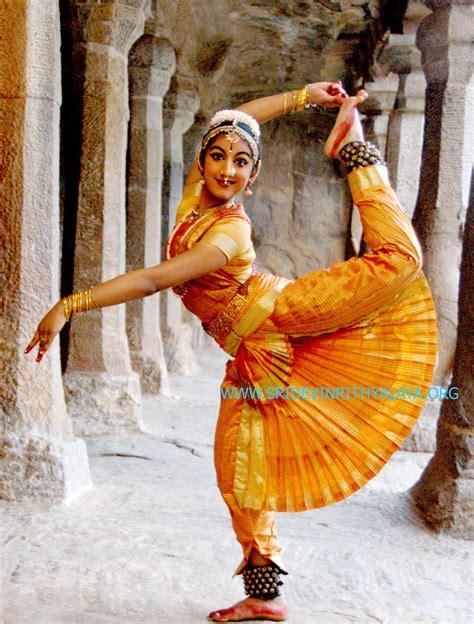hindi dence dance net gorgeous photos of young bharatanatyam dancers