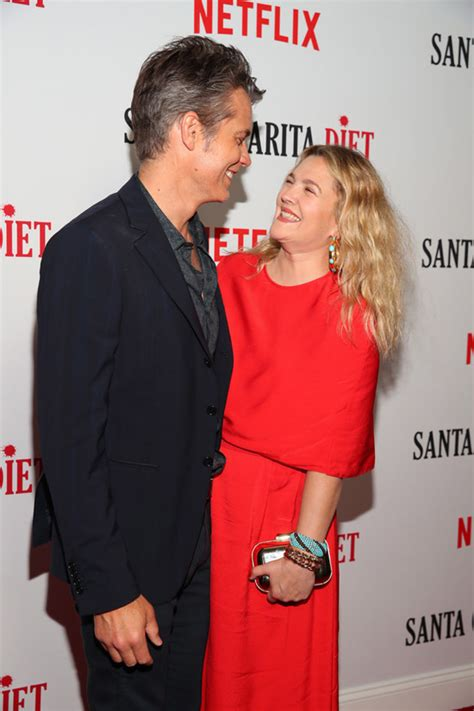 Carpet Diet Detox by Timothy Olyphant And Drew Barrymore Seem Happy To Be