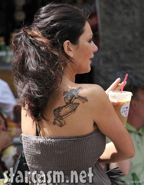 jwoww tattoos what does jwoww s praying and cross