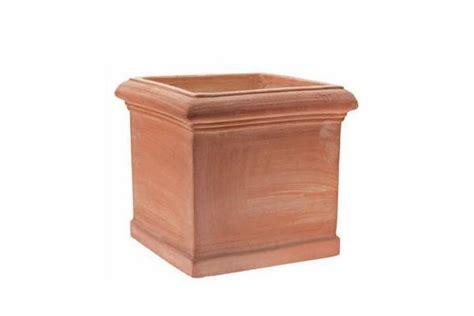 vasi particolari vasi particolari per rinnovare il giardino