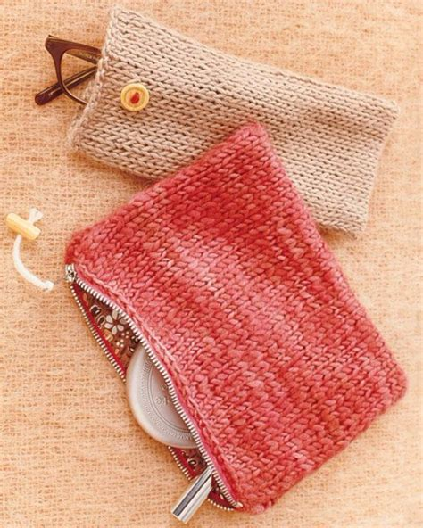 knit gifts 32 easy knitted gifts that you can make in hours