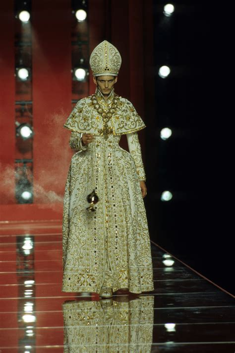 jean paul gaultier for christian dior christian dior fall 2000 couture collection photos vogue