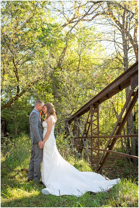 intimate backyard wedding a beautiful intimate outdoor wedding