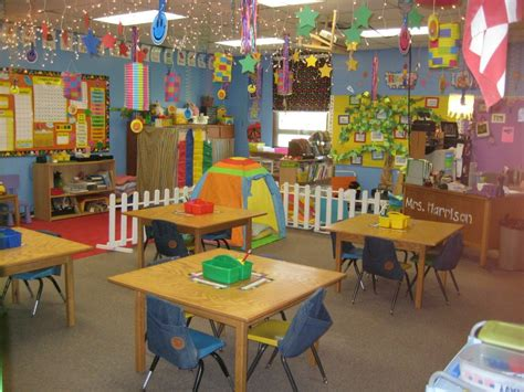 kindergarten themes for back to school preschool classroom layout design ideas on pinterest