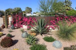 For low maintenance front yard landscaping ideas for your home