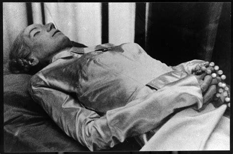 famous people dead bodies el cadaver embalsamado de eva per 243 n 80 pinterest
