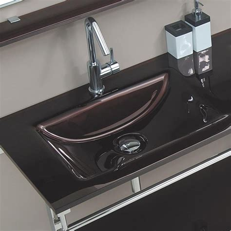 salle de bain marron et violet