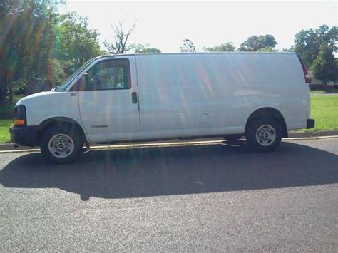 purchase used 2003 gmc savana 3500 cargo van with cab protector bin package in cortland ohio purchase used 2003 gmc savana 2500 extended cargo van in pekin illinois united states