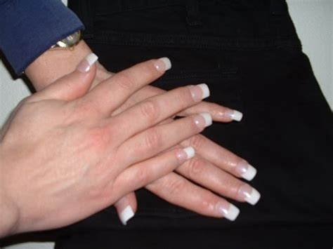 crossdresser getting nails done susanmilleracrylicnailspictures susanmiller642