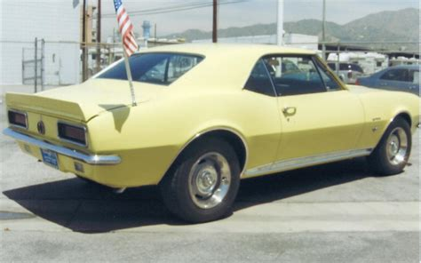 Uni Car Chevrolet Camaro 143 1967 chevrolet camaro rs coupe 66144