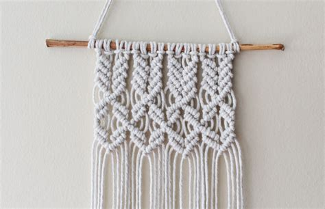 How To Macreme - mini macrame wall hanging diary