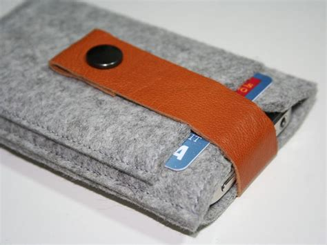 Handmade Iphone Covers - handmade wool felt iphone gadgetsin