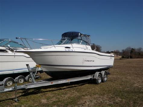 Seaswirl 2600 Sport Cabin by 1999 Seaswirl 2600 Striper Walkaround Boats Yachts For Sale