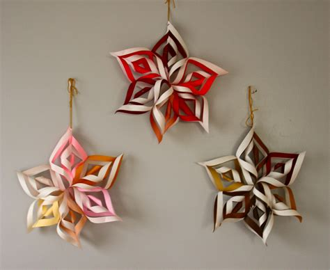 How To Make 3d Paper Snowflake - six pointed 3d snowflake tutorial totally it