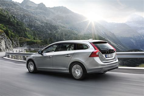 volvo v60 diesel in hybrid photos and details