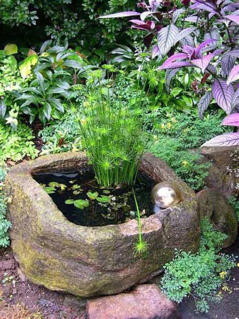 piccolo laghetto in giardino piccolo laghetto in un vaso per decorare il giardino 20