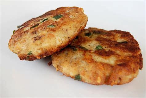 Fish Cake crisp mashed potato fish cakes kitchen belleicious