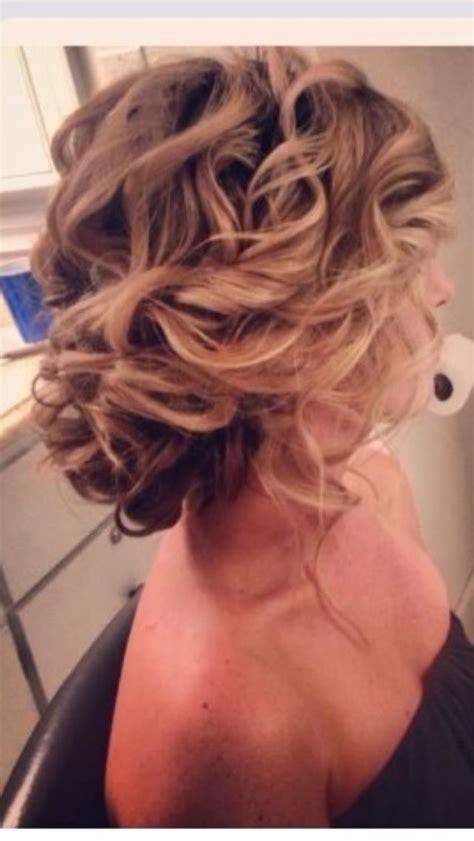 curls hairstyles bun 25 unique curly side buns ideas on pinterest wedding