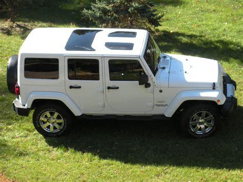 jeep hardtop white jeep wrangler jk hard top glass inserts sunroofs