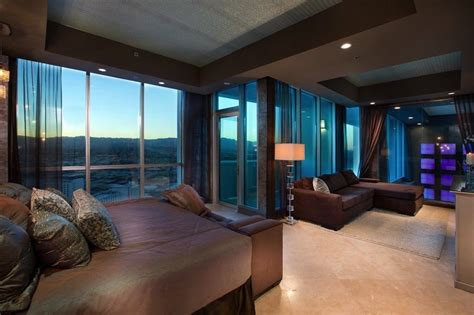 three bedroom las vegas penthouse las vegas luxury suite one and only skysuite penthouse in las vegas