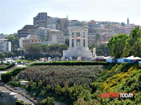 adriatico ancona quartiere adriatico sosta scontata vicino al passetto