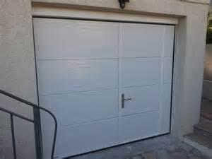 porte de garage sectionnelle plafond avec ou sans