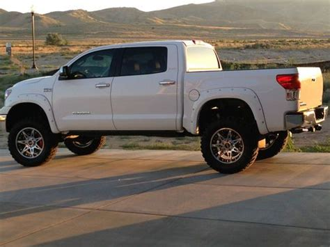 Accessories For Toyota Tundra Buy Used 2013 Toyota Tundra Crew Max 4x4 Trd Accessories