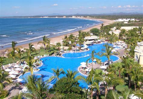Pueblo Bonito Emerald Bay All Inclusive Resort and Spa in