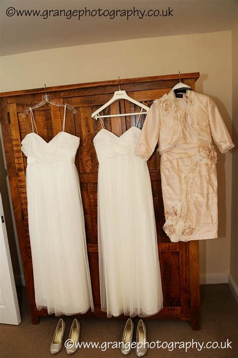 Wedding Wardrobe Chester Le - grange photography leanne and lovely wedding at