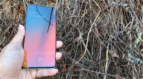 Samsung Galaxy S10 128gb Price In India by Samsung Galaxy S10e Priced Rs 55 900 In India S10 Goes Up To Rs 1 17 900 Technology News