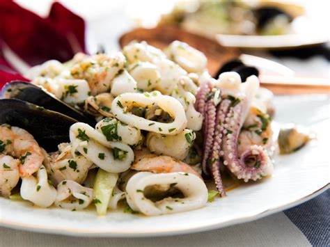 18 chilled seafood recipes for a refreshing summer meal