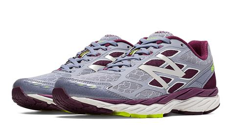 knee running shoes new balance men s and women s 880v5 running shoes below
