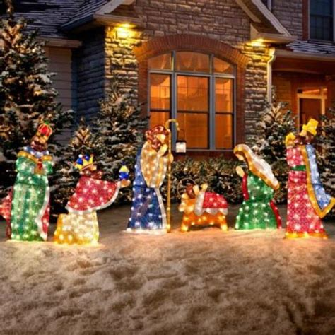 3 pc holographic lighted christmas outdoor nativity scene set 6 pc set outdoor lighted holy family wisemen nativity yard decor