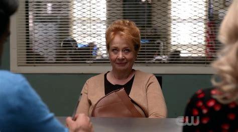 those bedroom eyes screencaps of izombie season 3 episode 12