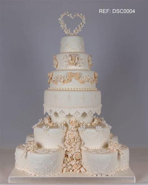giant wedding cakes giant wedding cake