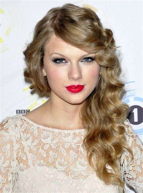 curly hairstyles taylor swift 16 taylor swift hairstyles popular haircuts