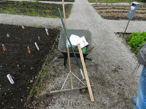 attrezzi da giardino usati attrezzi da giardino pi 249 usati dal giardiniere provetto