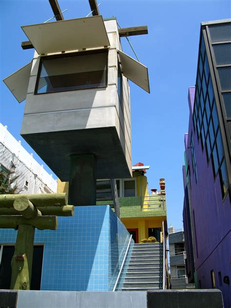 venice beach house top 5 weirdest buildings architecture in the world theydesign net theydesign net